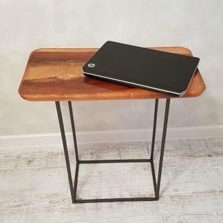 столик из эпоксидной смолы